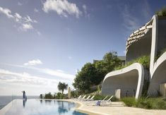 Domic House / Noel Robinson Architects an expansive private residence that burrows into the sand hills to the south of the Noosa National… Organic Architecture, Architecture Design, Carbon Sequestration, Organic Structure, Luxury Homes, Exterior, House Design, Landscape, House Styles