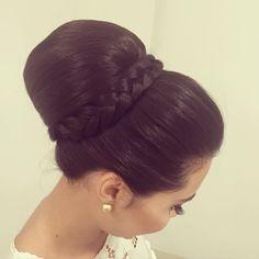 #equipediamantrouge #equipejanainamendes #style#coquecomtrança #coqueandoando #hairdo #penteadosx