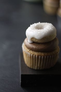 These coffee and donut cupcakes are mini-masterpieces!