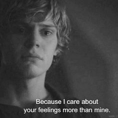 Evan Peters. I am crushing hardcore on this kid right here <3