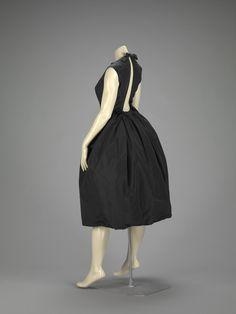 Cocktail dress, 1958, Hubert de Givenchy. Indianapolis Museum of Art.