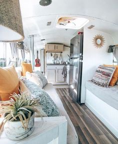 Van Home Layout 370350769357070684 - Elizabeth aka (Vanessa Worrall. Bus Living, Home, Van Home, Small Spaces, Home And Living, Tiny House Living, House, Camper Living, Rv Homes