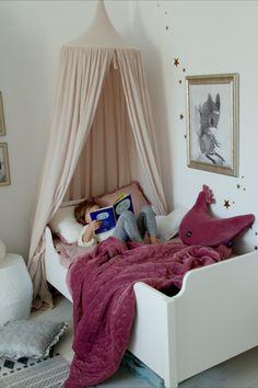 Velvet és minky anyagokból, prémium minőségben, hogy babád a legjobbat kapja! Antiallergén, bőrbarát anyag. Egybevarrt töltet Girl Room, Baby Room, Nursery Ideas, Toddler Bed, Modern, Furniture, Home Decor, Child Bed, Trendy Tree