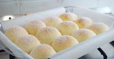 Fluffy Japanese Milk Bread Recipe (The SOFTEST Dinner Rolls Recipe) Fluffy milk bread - Bread Recipes Milk Bread Recipe, Bread Recipes, Baking Recipes, Dessert Recipes, Recipes Dinner, Bread Cake, Dessert Bread, Cream Bun, Hardboiled