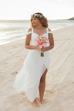 Simple bridal gown for a Romantic Beach Destination Wedding : A Gorgeous Hawaii Elopement – Karma Hill Photography Wedding Venues Beach, Wedding Bride, Destination Wedding, Wedding Dresses, Hawaii Wedding, Wedding Ideas, Wedding Locations, Wedding Bouquet, Wedding Pictures
