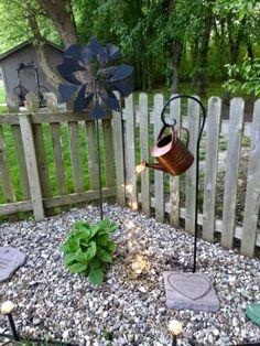 34 Vintage Garden Decor Ideas to Give Your Outdoor Space Vintage Flair - The Trending House Vintage Garden Decor, Diy Garden Decor, Vintage Gardening, Outdoor Garden Decor, Landscaping With Rocks, Backyard Landscaping, Backyard Ideas, Nice Backyard, Cool Garden Ideas