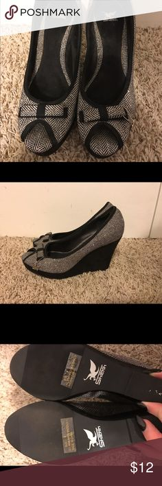 Sheikh tweed grey wedges size 9 Size 9 wedge shoes tweed grey fabric never worn outside sheikh Shoes Wedges
