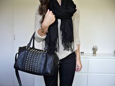 love this...especially that bag!