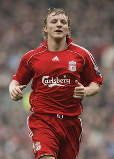 Dirk Kuyt says Liverpool will be going all out for victory on Saturday.