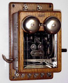 www.tomsantiquephones.com American Bell Telephones - Early