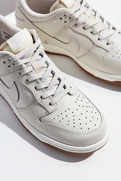 separation shoes 25607 692e5 Nike Dunk Low Sneaker