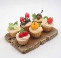 Miniature woodland cupcakes, 64tnt on etsy