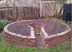 How to Build a Keyhole Garden. Just make the middle a bit bigger...imagine the books you could read in your little keyhole...