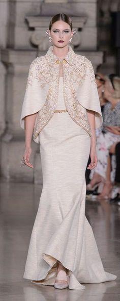 Georges Hobeika Fall 2017 Couture Fashion Show - The Impression Fashion Week, Runway Fashion, High Fashion, Fashion Show, Fashion Design, Georges Hobeika, Couture Dresses, Fashion Dresses, Style Haute Couture