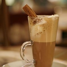 A Recipe for Homemade Hot Chocolate Homemade Hot Chocolate, I Love Chocolate, Chocolate Pictures, Yummy Drinks, Yummy Food, Acid Reflux Home Remedies, Acid Reflux Recipes, Coffee Uses, Coffee Cafe