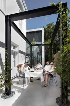 Orama Residence in Sydney's Woollahra by Smart Design Studio | Yellowtrace