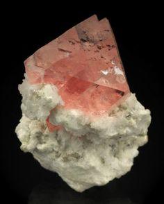 Fluorite - Goscheneralp, Goschenen Valley, Uri, Switzerland Size: 2.5 x 2.2 cm