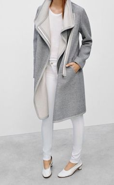Aritzia Babaton Cormac Coat XXS Only worn once, in perfect condition. Style Désinvolte Chic, My Style, Inspiration Mode, Street Style, Autumn Winter Fashion, Fall Fashion, Style Fashion, Fall Winter, Minimalist Fashion
