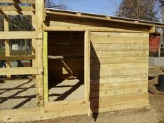 DIY: How to Build A Pallet Chicken Coop | 99 Pallets