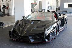Veneno Roadster, Lamborghini Veneno, Car Images, All Cars, Car Photography, High Quality Images, Cars And Motorcycles, Vintage Cars, Super Cars