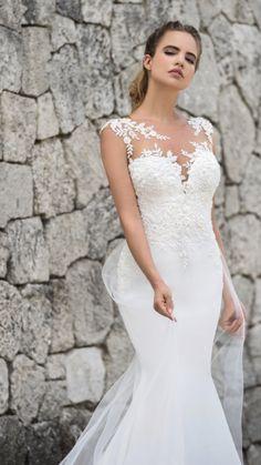 9cffbdae05f0 23 Best wedding dress detachable train images | Groom attire, Dream ...