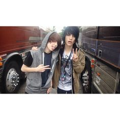 Johnnie Guilbert and Jeydon Wale- My Digital Escape
