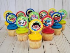 What better way to add color and excitement to your cupcakes than to add these Ryans World cupcake toppers! 12 DUAL-SIDED Ryan Cupcake toppers are a sure way to brighten up your Ryans World Party! *PRODUCT INFORMATION* - Total of 12 Cupcake Toppers - Cardstock Circle cutout measures 2.25 inches in Dinosaur Birthday Party, 6th Birthday Parties, 7th Birthday, Birthday Celebration, Birthday Ideas, Ryan Toys, Birthday Thank You, Thing 1, Party Themes