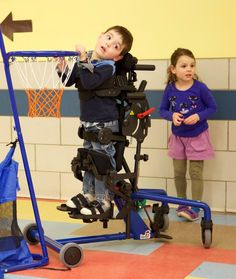 We were so lucky to be a part of a really fun photo shoot with Roa. He has such a great smile and is loves being with his friends at school and standing in his EasyStand Bantam standing frame or stander. He has CP (cerebral palsy) but doesn't let it slow him down much! http://www.easystand.com/product/products-2/bantam/