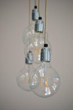 Hanglamp met meerdere lampen en strijkijzersnoer, industrieel | industriële lamp | lekker fris door VanStoerHout Light Bulb, Living Room, Lighting, Interior, Home Decor, Drawing Rooms, Bulb Lights, Homemade Home Decor, Indoor