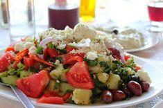ΜΑΓΕΙΡΙΚΗ ΚΑΙ ΣΥΝΤΑΓΕΣ: Σαλάτες διάφορες !!! Cobb Salad, Caprese Salad, Fruit Salad, Potato Salad, Potatoes, Ethnic Recipes, Food, Recipes, Essen