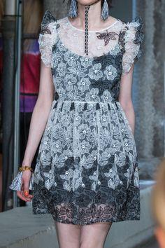 Défilé Blugirl Printemps-été 2017 Prêt-à-porter - Madame Figaro