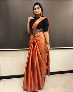 These Indian saree draping styles will make you eye-stuck fo.- These Indian saree draping styles will make you eye-stuck for sure. Indian bride looks the best when she wear a - Half Saree Designs, Saree Blouse Neck Designs, Saree Blouse Patterns, Simple Saree Designs, Dress Neck Designs, Saree Wearing Styles, Saree Styles, Sari Draping Styles, Blouse Styles
