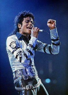 Bad World Tour Onstage- Various Paris Jackson, Jackson 5, Lisa Marie Presley, Elvis Presley, Mjj Pictures, Mj Bad, Michael Jackson Bad Era, Girls Aloud, King Of Music