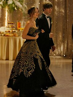 10 Best TV Prom Dresses - TV Prom Episodes - Seventeen Gossip Girl Blair Waldorf