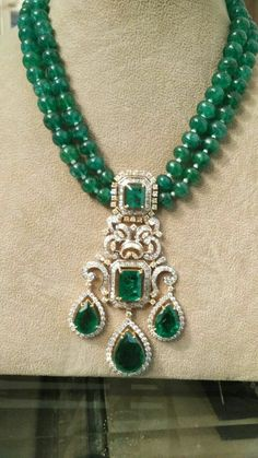 Jewerly Necklace Diamond Bijoux 30 Ideas For 2019 Mom Jewelry, Bridal Jewelry, Beaded Jewelry, Beaded Necklace, Jewelry Design, Jewellery, Emerald Jewelry, Diamond Pendant Necklace, Ring Verlobung