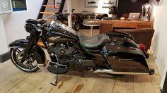 Superbe Harley davidson Road King 2016 Motos Yvelines - leboncoin.fr