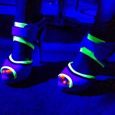 Neon, glow in the dark