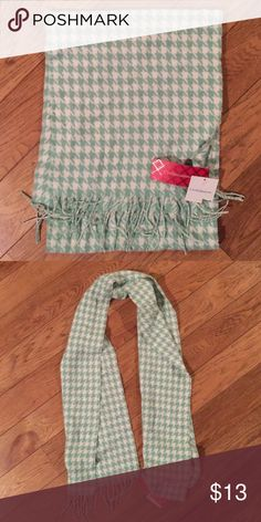 NWT Croft and Barrow Mint and white scarf Excellent condition.  Comes from pet free, smoke free home. croft & barrow Accessories Scarves & Wraps