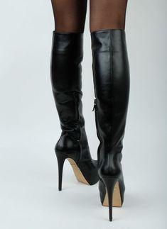 Petite boots heel Pasha Knee Super High ❤❤❤ Petite Stiefel Ferse Pasha Knie Super High ❤❤❤ Image by Sven Platform High Heels, Black High Heels, Sexy Boots, Sexy Heels, Shoes Heels, Pumps, Stilettos, Talons Sexy, Sexy Stiefel
