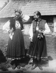 Ukraine - Жінки у традиційному вбранні, 1908-1918