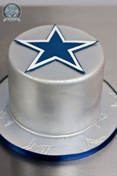 Dallas Cowboys Grooms Cake with red velvet inside Cowboy Birthday Cakes, Cowboy Cakes, Dallas Cowboys Party, Cowboys Football, Football Cakes, Unique Cakes, Creative Cakes, Cowboy Groom, Sport Cakes