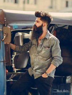30 Top Fade Hairstyles For Men That Are Highly Popular In 2019 - Beard Tips Beard Styles For Men, Hair And Beard Styles, Long Hair Styles, Hair Style For Men, Beard And Mustache Styles, Goatee Styles, Mens Hairstyles With Beard, Haircuts For Men, Sexy Bart