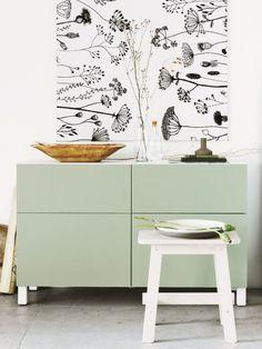Kaum ein Möbelstück ist so vielseitig wie das Sideboard. Geschlossene Modelle unterstützen uns im Alltag, offene setzen unsere Lieblingsstücke gekonnt in Szene.