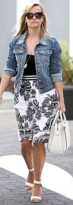 Who made  Reese Witherspoon's white tote handbag, black palm leaf print stripe skirt, and black sunglasses?