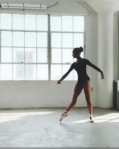 Ballet Dance Videos, Dance Choreography Videos, Dance Tips, Dance Poses, Ballet Dancers, Ballerina Workout, Dancer Workout, Ballet Photography, Creative Dance Photography