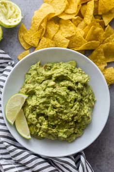 Easy guacamole recipe from scratch | salsa guacamole | 4 ingredient guacamole | Guac | How to make guacamole | keto guacamole | vegan guacamole | chipotle guacamole | healthy guacamole | Quick guacamole recipe Quick Guacamole Recipe, Chipotle Guacamole, How To Make Guacamole, Asparagus Casserole, Recipe From Scratch, 4 Ingredients, Dressings, Sauces, Meal Prep