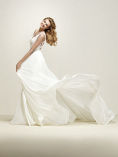 Romantic flared wedding dress