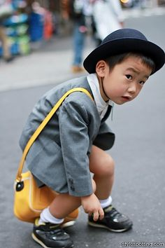 Tokyo Street Style From a young age, Japanese learn elegance sense and dress code logics. Precious Children, Beautiful Children, Beautiful Babies, Cute Kids, Cute Babies, Baby Kids, Fashion Kids, Colorful Fashion, Little People