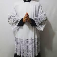 Resultado de imagem para sobrepeliz veste liturgica