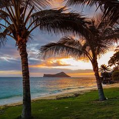Morning sunrise on the Windward side of Oahu. Manana Islet in the distance.